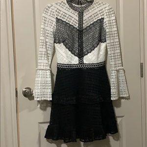 Dress black & white!